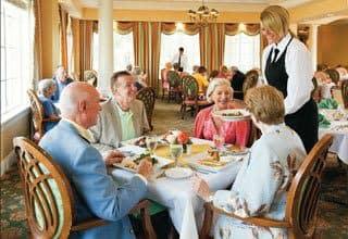 Senior living residents in Florida enjoy catered dining