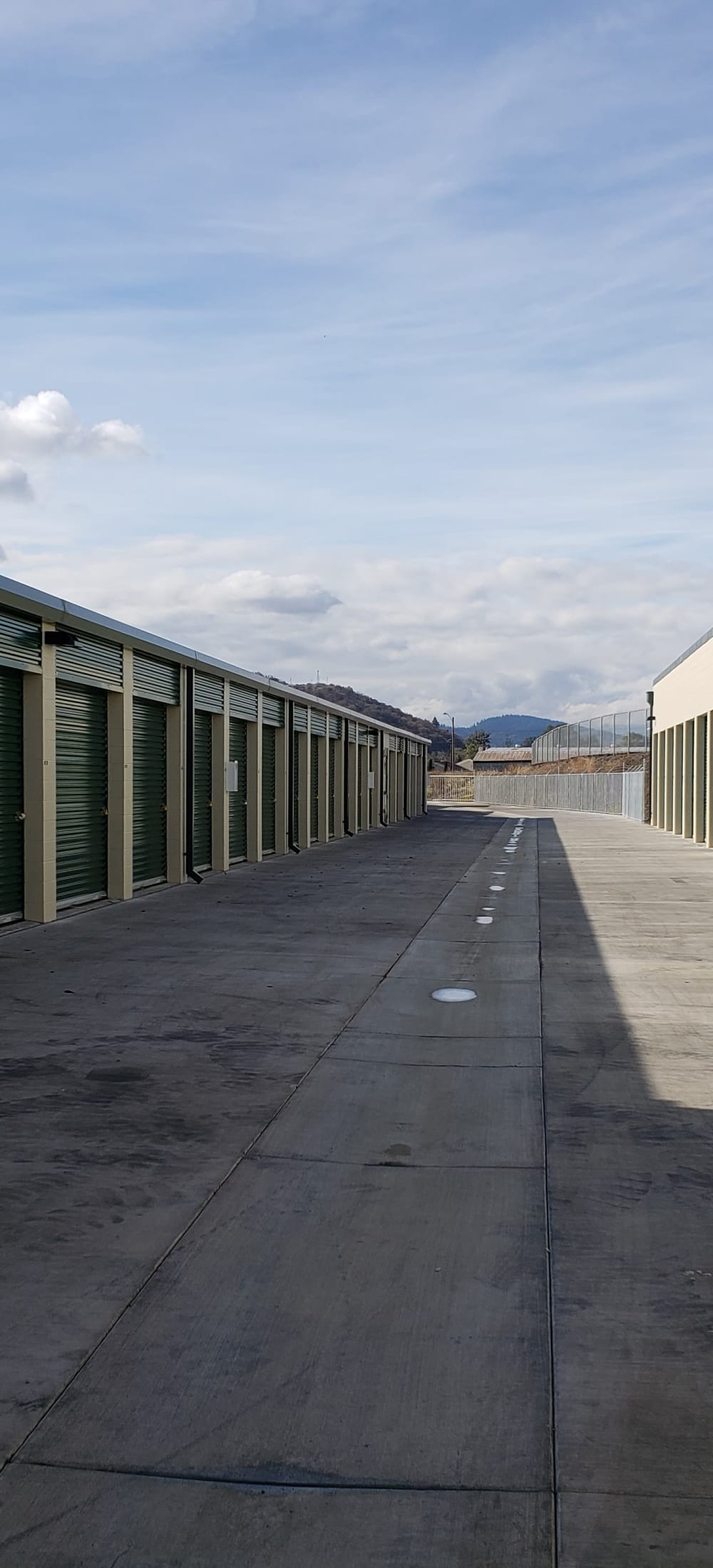 Map and directions to Cascade Self Storage in Roseburg, Oregon