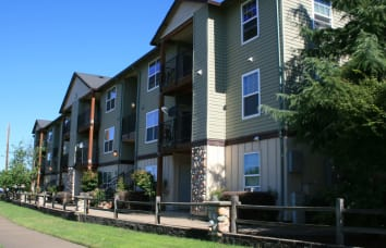Stone Ridge Apartments in Eugene, Oregon