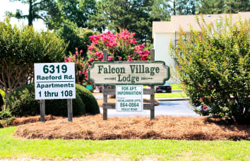 Falcon Village Apartments near Wedgefield Apartments in Raeford, North Carolina