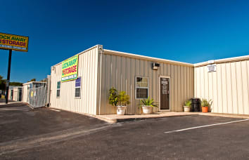View our Crestway self storage location