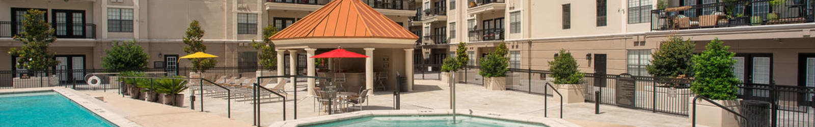 Guest suites at Chateau de Ville in Farmers Branch, Texas