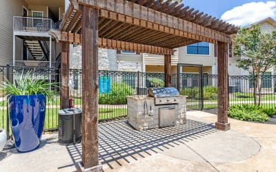 BBQ Area at Park Hudson Place in Bryan, Texas