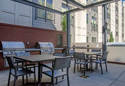 Our luxury apartments at Station 40 in Nashville, Tennessee showcase a bbq area