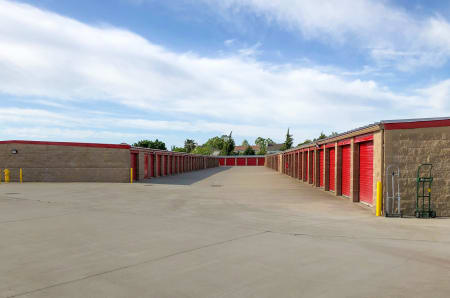Exterior Units at StorQuest Self Storage in Elk Grove, CA