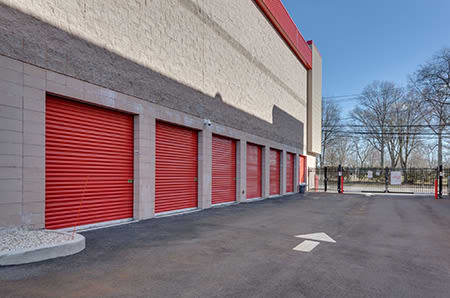 Exterior view at StorQuest Self Storage in Paramount, California