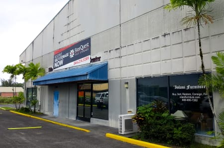 Exterior of StorQuest Self Storage in Hilo, Hawaii