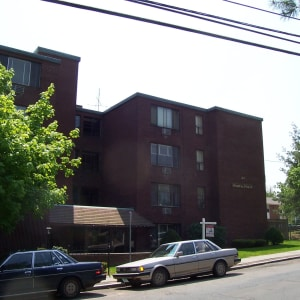 100 Benton Street at Carriage Place Apartments in Hartford