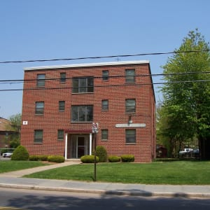 186 Collins Street at Carriage Place Apartments in Hartford