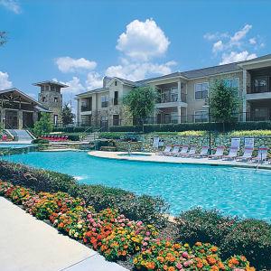 Neighborhood at El Lago Apartments in McKinney, Texas