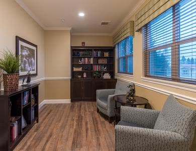 Comfortable living room at Pacifica Senior Living Vancouver in Vancouver, WA