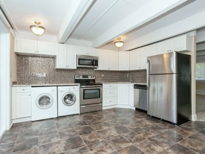 Stainless steel appliances are featured in the kitchen at Mariners Cove Apartment Homes in Toms River, NJ