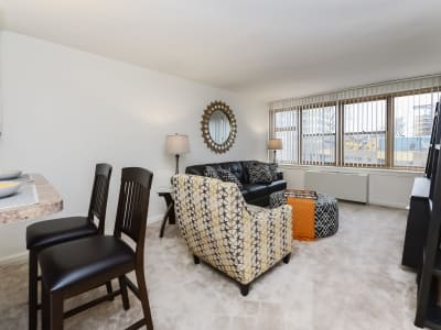 Well decorated living room at Parkview at Collingswood Apartment Homes in Collingswood, NJ