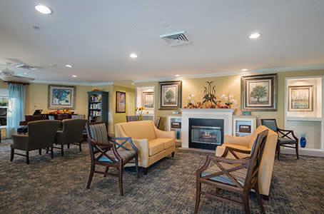 Seating area at Windsor Oaks At Bradenton in Florida