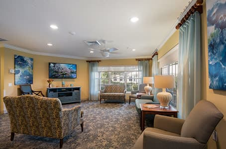 Living room at Windsor Oaks At Bradenton in Florida