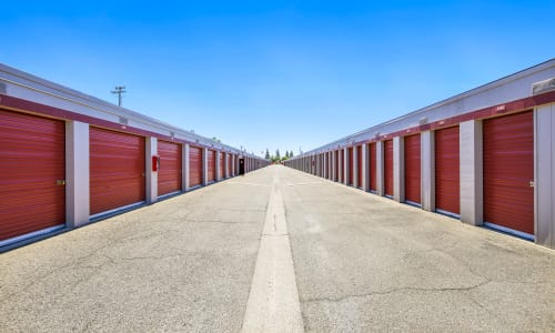 Rancho Cordova, California storage facility Exterior Storage Units