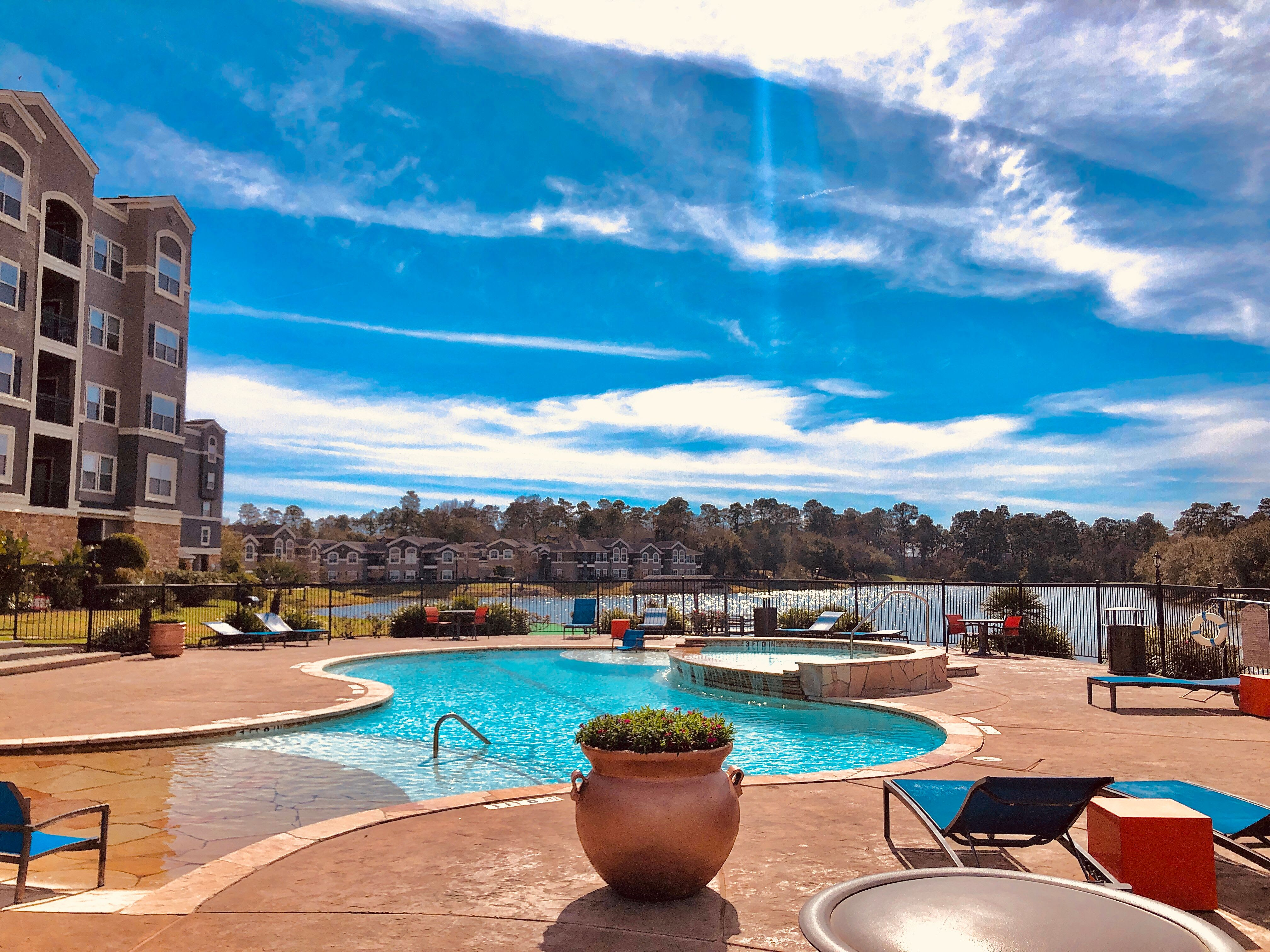 Amenities available at The Abbey on Lake Wyndemere in The Woodlands