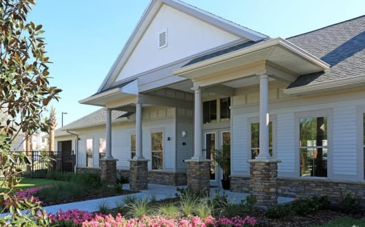 Building Exterior at Arbours at Crown Point in Ocoee, FL