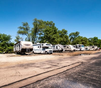 Store your car or RV with Storage Inns of America in Moraine, Ohio