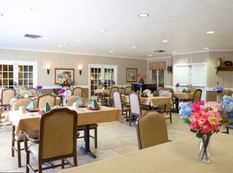 dining hall at Mill Creek Alzheimer's Special Care Center in Springfield, IL