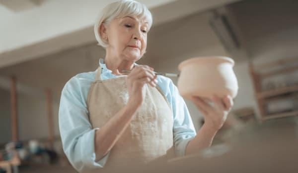 A resident in an art class at Amaran Senior Living in Albuquerque, New Mexico.