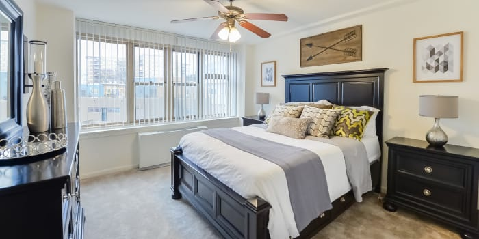 Parkview at Collingswood Apartment Homes offers a luxury bedroom in Collingswood, New Jersey
