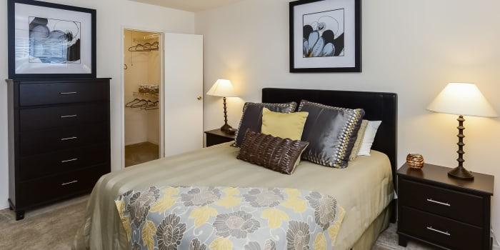 Model bedroom at Nieuw Amsterdam Apartment Homes in Marlton, NJ