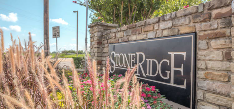 Signage at Stone Ridge Apartments