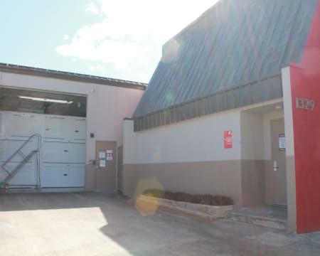 Facility exterior at StorQuest Self Storage in Honolulu, Hawaii
