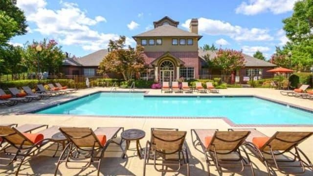 Enjoy the pool at Lincoln at Wolfchase in Cordova, TN