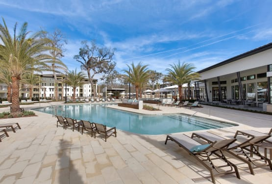 Steele Creek offers a sparkling swimming pool in Jacksonville, Florida