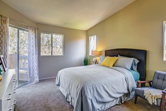 Sofi Canyon Hills offers a spacious bedroom in San Diego, CA
