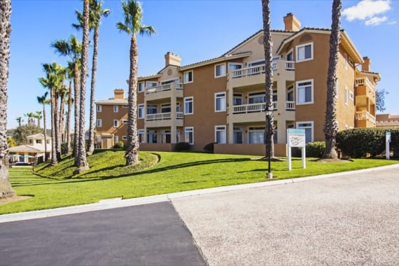 Apartments building at Sofi Canyon Hills in San Diego, CA