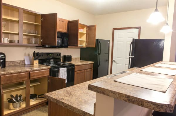 Apartment kitchen at Prairie Pointe Student Living in Ankeny, Iowa