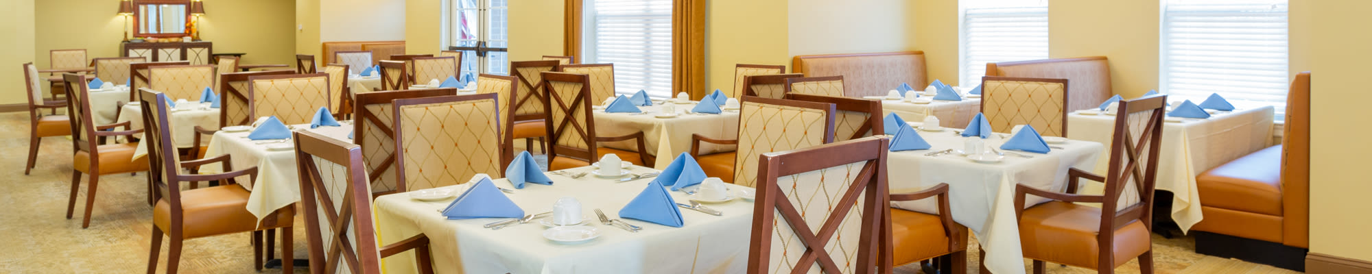 Dining at Harmony at West Shore in Mechanicsburg, Pennsylvania