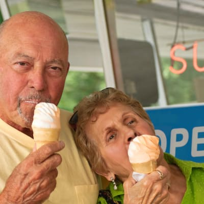 Senior couple eating ice cream in Hopkins, Minnesota