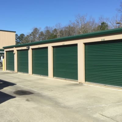 Features at Cardinal Self Storage - South Durham in Durham, North Carolina