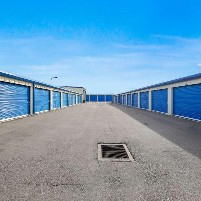 Outdoor ground floor units at Storage Star Fairfield in Fairfield, California