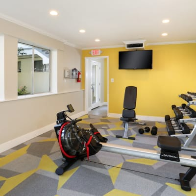 Well-equipped onsite fitness center at Sofi Redwood Park in Redwood City, California