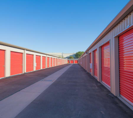 Self storage building exterior in Woodland