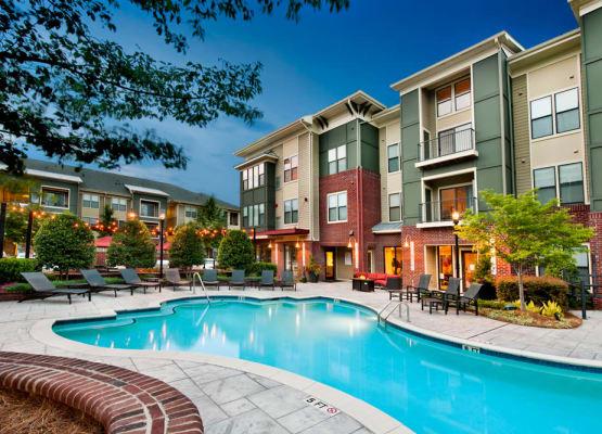 Gorgeous swimming pool area at Perimeter Lofts in Charlotte, North Carolina