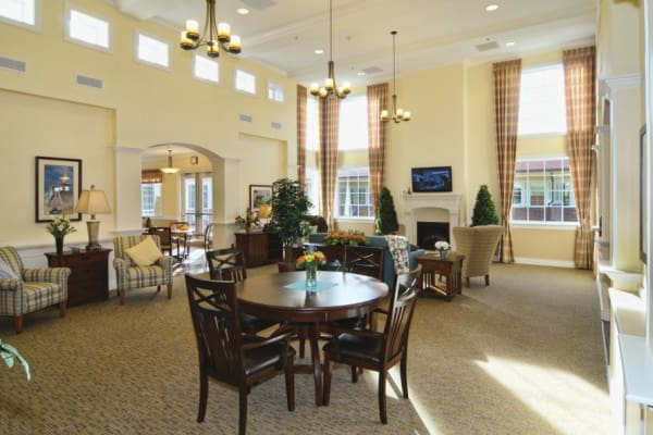 Month-to-Month Rentals at senior living community in Overland Park, KS