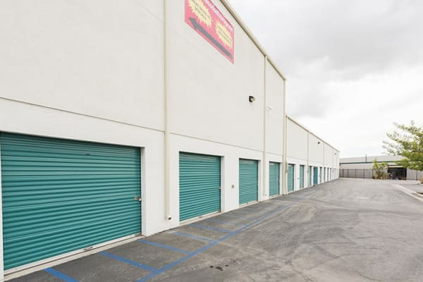 You'll find we keep our storage aisles - inside and outside - clean and clear of debris here at Lakewood Self Storage.
