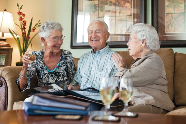 Fine dining at Discovery Senior Living