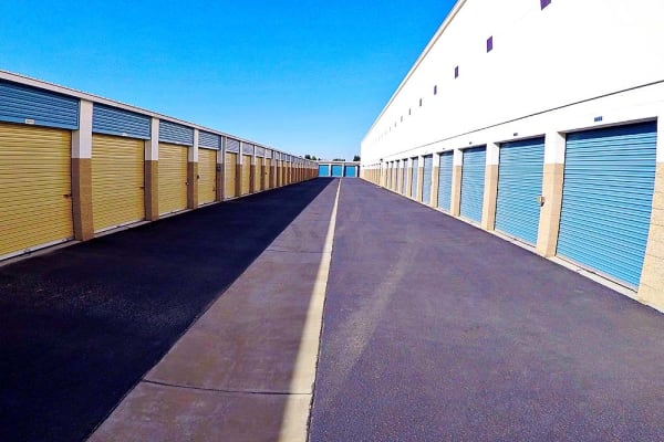 Units with drive up access at Stor It Self Storage & Business Center in Clovis, California