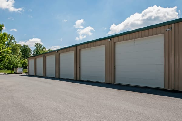 Metro Self Storage offers outdoors units in Newtown Square, Pennsylvania