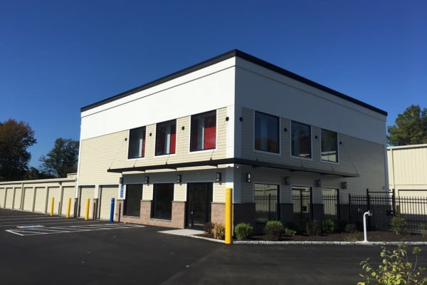 Facility features at CT SELF STOR