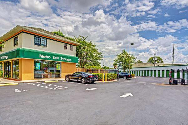 Front entrance at Metro Self Storage in Largo, FL