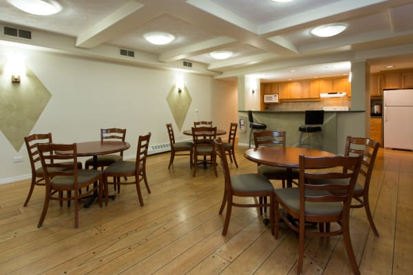 Communal area at Fraser Tolmie Apartments in Victoria, British Columbia