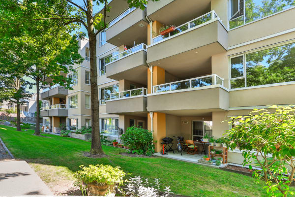 Large balconies at Larchway Gardens in Vancouver